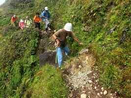 passage délicat, trace géologues, Soufrière, basse terre, Guadeloupe